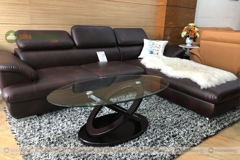 Những mẫu bàn trà kính sẽ giúp không gian bớt chật hẹp hơn. Chúng mang phong cách hiện đại sang trọng