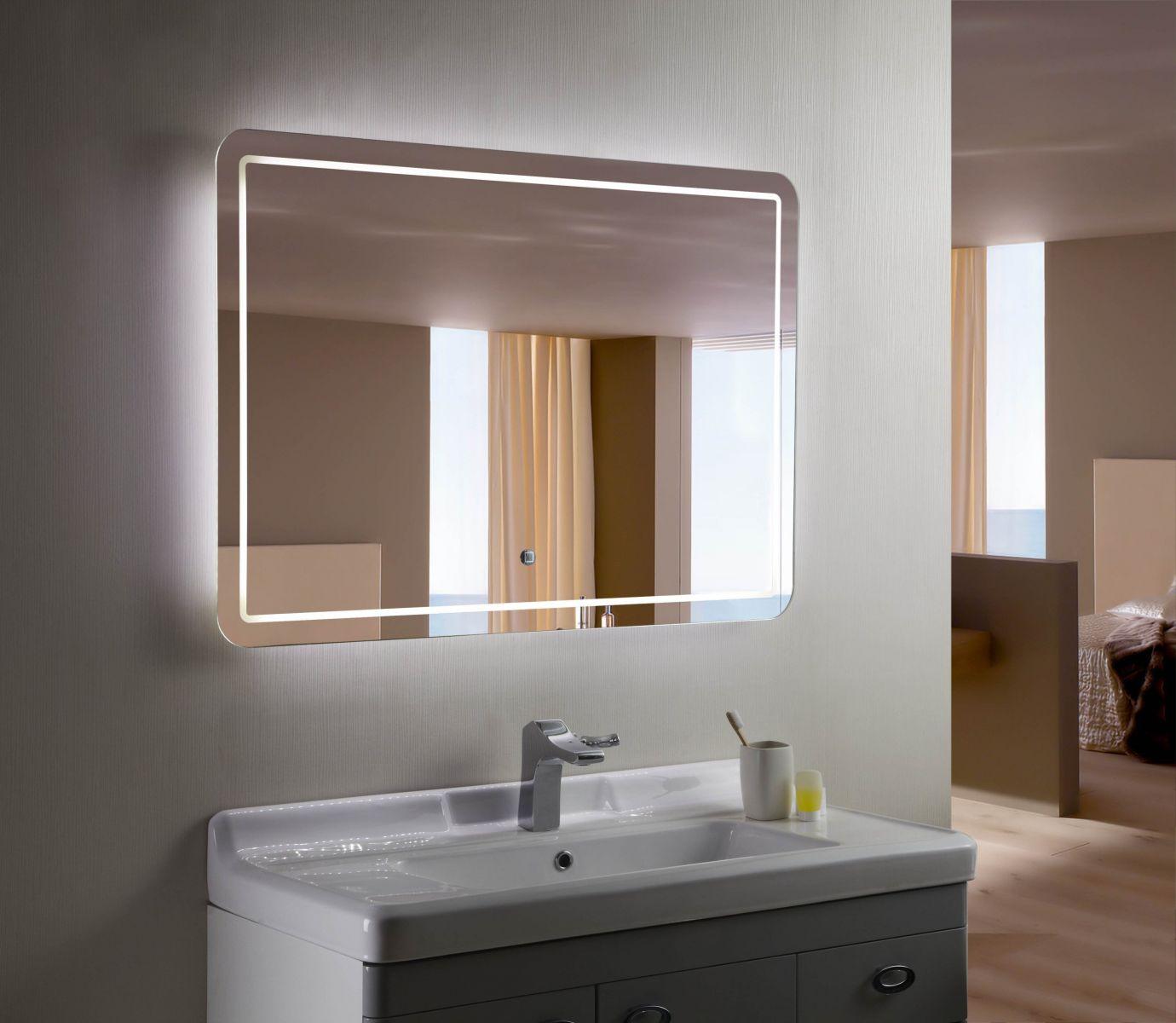 gương trong phòng tắm