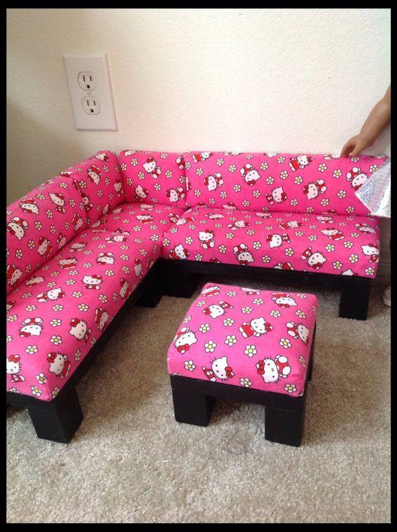 Ghế sofa góc mèo Hello Kitty