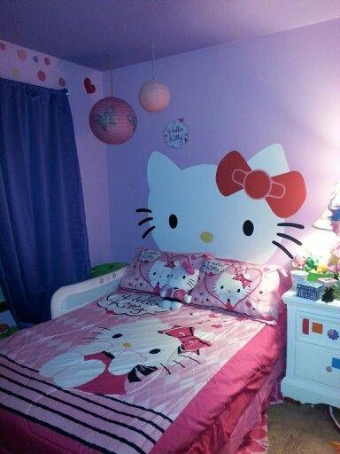 giường ngủ mèo Hello kitty