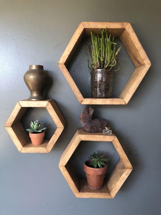 kệ trang trí gỗ treo tường để đặt cây xanh