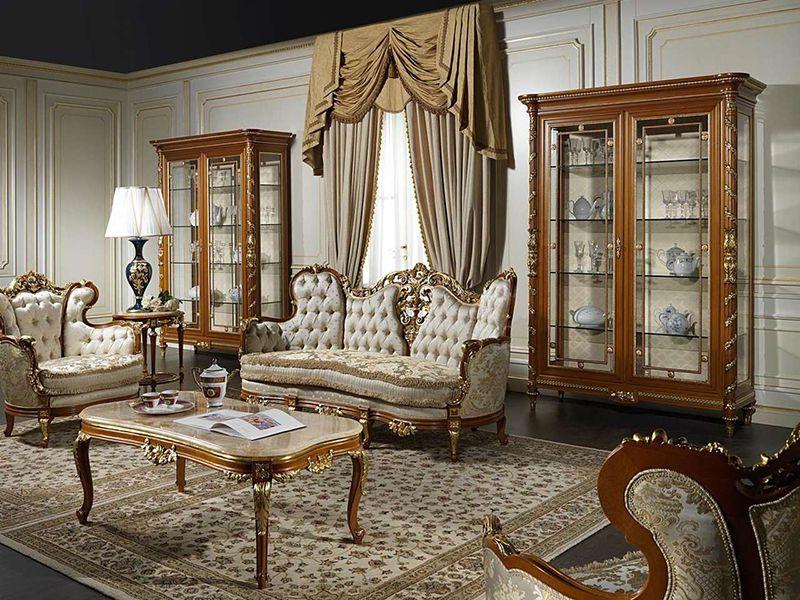 trang trí phòng khách nhà vuông phong cách cổ điển