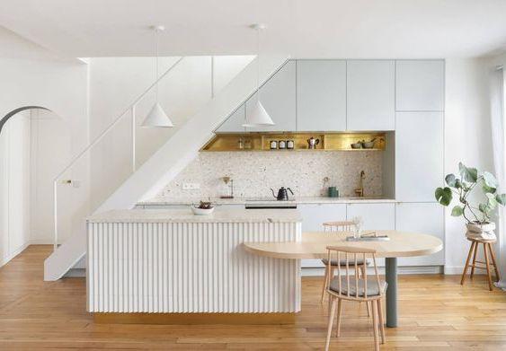 bếp dưới chân cầu thang đẹp