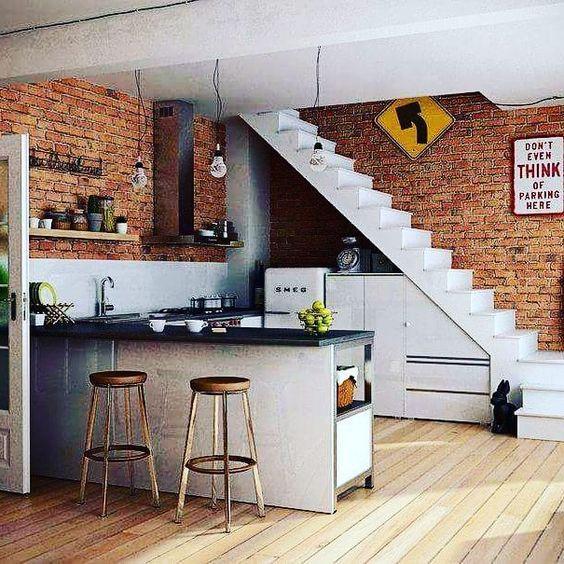 kệ bếp bên dưới cầu thang đẹp